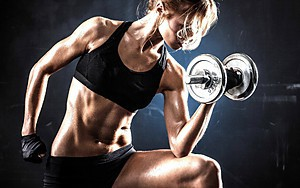 For girls on the relief in the home: dumbbells + barbell